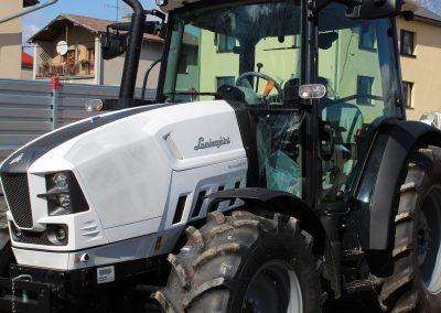 Předání traktoru Lamborghini - Zetkomservis s.r.o.