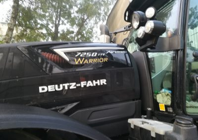 Předání traktoru DEUTZ-FAHR - Zetkomservis s.r.o.