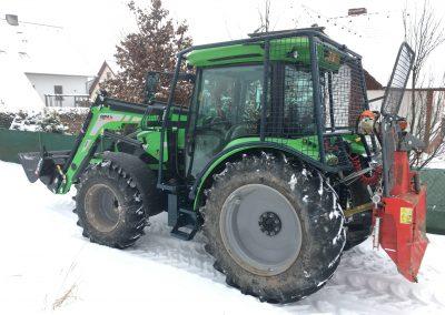 dovybavení traktoru DF 5100 p. Pochopa, lesní nástavbou s navijákem